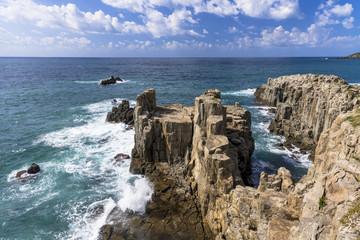 Wall Mural - 東尋坊の断崖絶壁