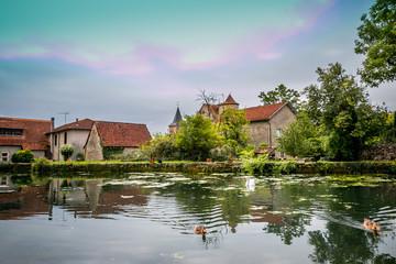 Au bord de l'étang dans l'Aveyron
