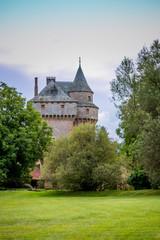 Le Château de Marinesque sur la route, dans l'Aveyron