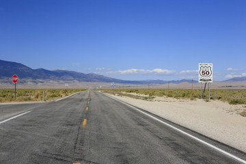 Foto op Canvas Route 66 US 50 in Nevada: The Loneliest Road in America