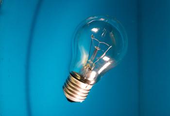 Light bulb from water splash