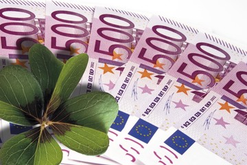 500-Euro bills with a lucky clover