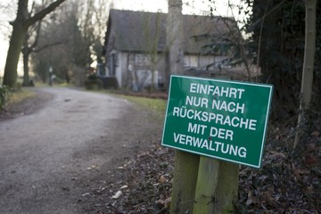 Restricted entry sign, driveway in Hesse, Germany, Europe