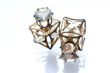 Jewelry petite earrings with diamonds in white pearl.