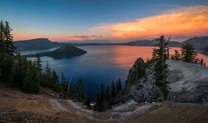 Wall Mural - Crater Lake, Oregon at twilight