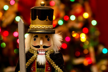Christmas King Nutcracker Statue