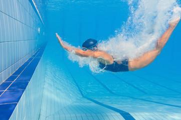 Back dive splash