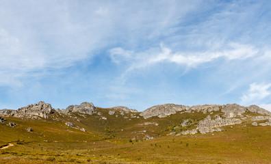 Paisaje de la Sierra de la Cabrera, León, España.