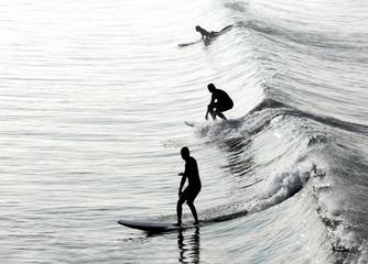 Obraz Surfers in California - fototapety do salonu