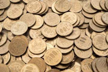 日本の硬貨・500円玉の山