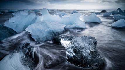 Eis am Strand in Island