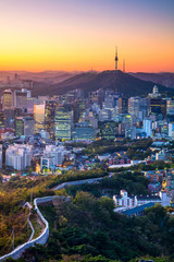 Photo sur cadre textile Seoul Seoul. Cityscape image of Seoul downtown during summer sunrise.
