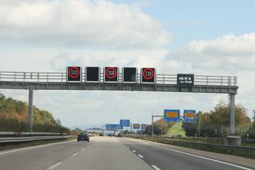 Temopolimit auf der Autobahn