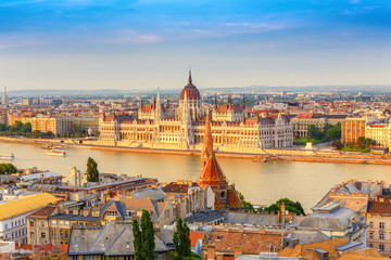 Poster Europa Budapest city skyline at Hungalian Parliament and Danube River, Budapest, Hungary