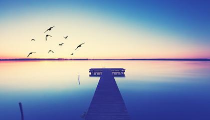 romantischer Steg am See