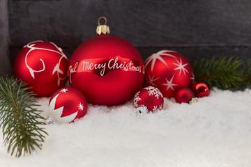 Merry Christmas auf Weihnachtskugel