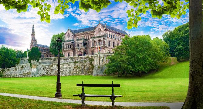 Palacio Sobrellano, pueblo de Comillas, Cantabria,España. Arquitectura historica pintoresca.Turismo ,viajes y aventuras en España