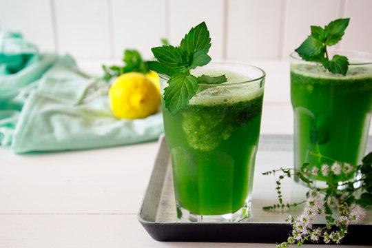 Frozen mint lemonade
