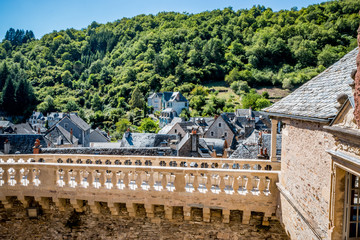 Le village d'Estaing vu du château