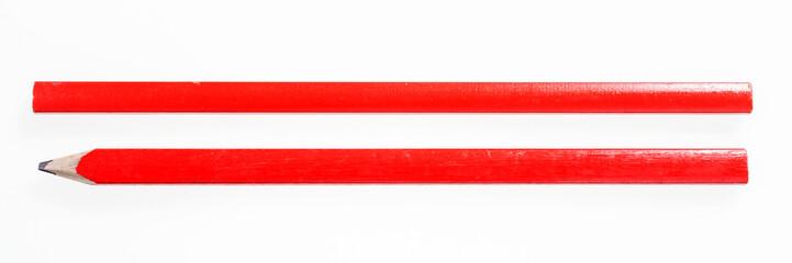 Zwei rote Zimmermannsbleistifte