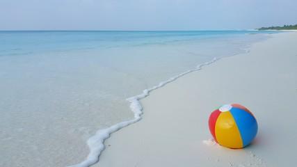 P00258 Maldives white sandy beach ball on sunny tropical paradise island with aqua blue sky sea ocean 4k