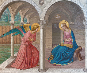 Fototapete - LONDON, GREAT BRITAIN - SEPTEMBER 17, 2017: The mosaic of The Annunciation after Fra Angelico in church St. Barnabas by Bodley and Garner (end of 19. cent.).