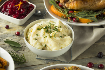 Homemade Creamy Whipped Mashed Potatoes