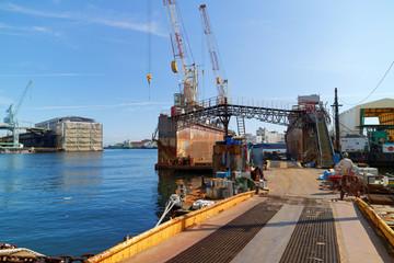 神戸 兵庫港の浮きドック