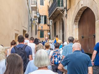 Reisegruppe auf Palma de Mallorca