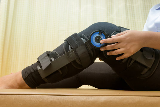 Patient adjustable angle on knee brace ,Knee support for leg or knee injury