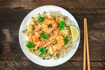Shrimp Pad Thai plate from above with copy space