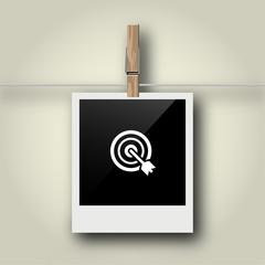 Sofortbild mit Symbol an Wäscheleine - Zielscheibe