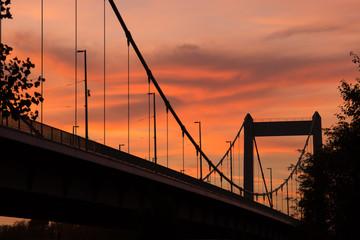 Brücke im Abendrot