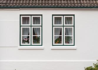 Fenster Eines Landhauses Mit Weißer Fassade