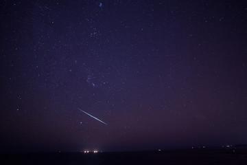 エメラルドグリーンの流星