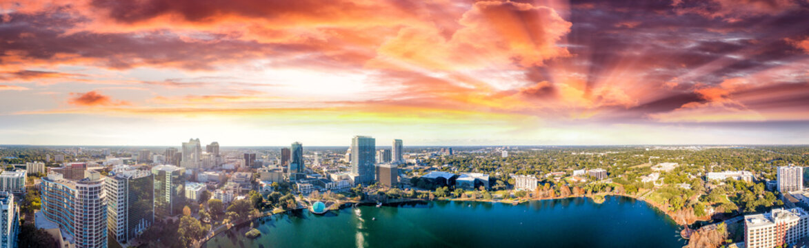 Panoramic aerial view of Lake Eola and surrounding buildings, Orlando - Florida