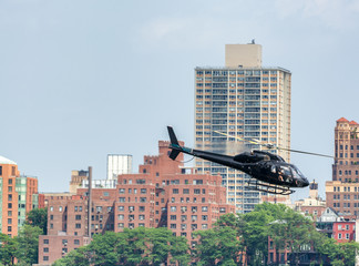 Fototapete - Helicopter tour in New York City