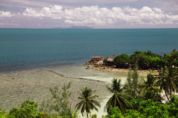 Overview of tropical island shoreline