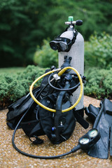 Wet scuba dive equipment