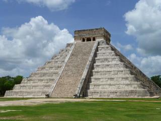Chichen Itza, Pyramid of the Maya, Yucatan (Mexico) 2