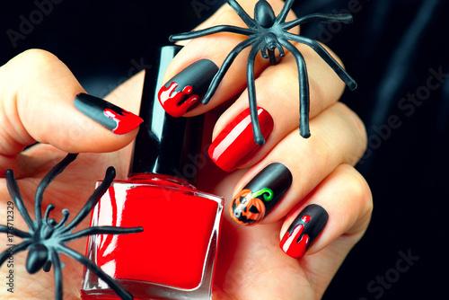 Halloween holiday manicure design ideas. Halloween nail art