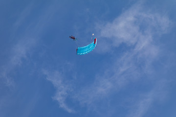 Autocollant pour porte Aerien Skydivers in the sky