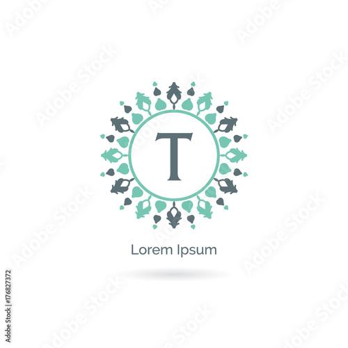 Beauty And Cosmetics Letter T Vector Icon Design Luxury Logo Illustration