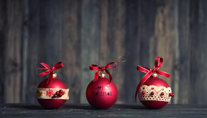 Weihnachtsdekoration - rote Kugeln