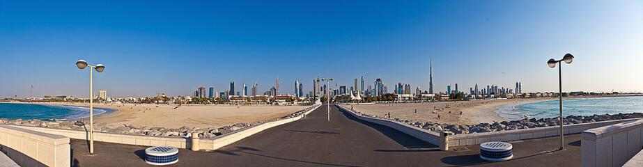 Dubai Skyline von Meerseite