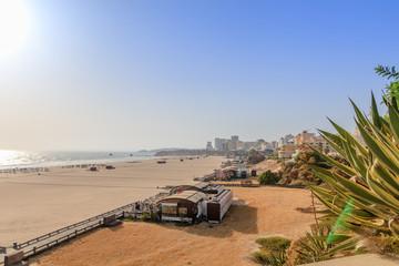 Vista da Praia da Rocha em Portimão Algarve