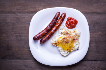 fried egg and sausages