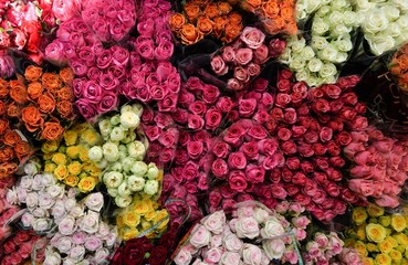 Bouquets of roses on the market