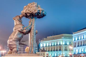 Poster de jardin Madrid Bear and Strawberry Tree Statue in Madrid, Spain.