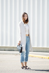 Outfit inspiration - long white jacket